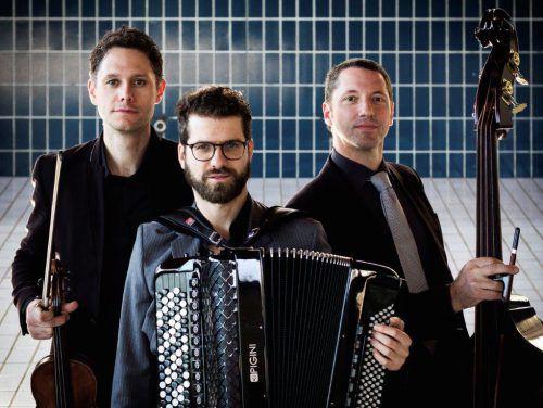 Stilistische Grenzgänger: Klemens Bittmann, Christian Bakanic und Eddie Luis. Veranstalter