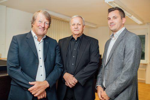 V. l. : Thomas Hackspiel, Versicherungsmakler Helmut Grabner sowie erster VIDES-Kooperationspartner und Prokurist René Burtscher. Fa/Sams