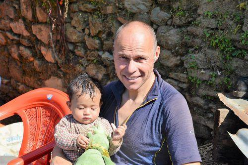 Wolfgang Bartl engagiert sich ehrenamtlich in Nepal. Bartl