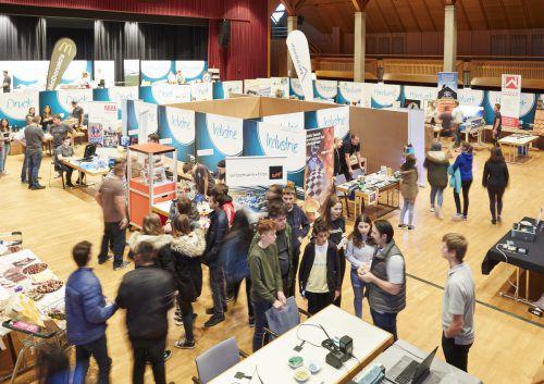 20 heimische Betriebe präsentieren sich den Lehrlingen. Gemeinde