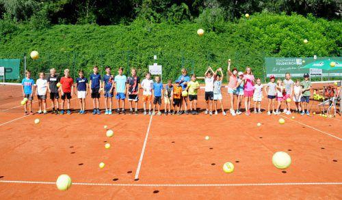 24 junge Tenniscracks nahmen am Tenniscamp des TC Nofels-Tosters teil. Verein/Efferl