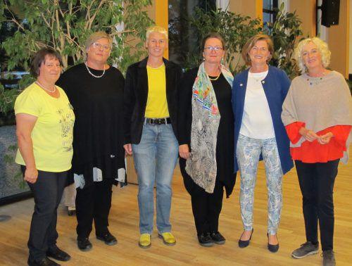 Angelika Hämmerle (v.l.), Katharina Waibel, StR. Patrizia Tschallener, Gabi Bösch, Angela Jäger und LR Katharina Wiesflecker.TF