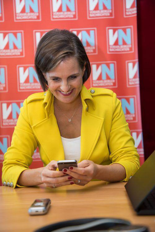 Auch per WhatsApp diskutierten Leserinnen mit Martina Ess. VN/Steurer