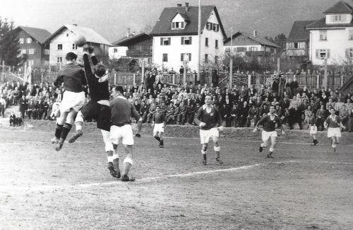 Das alte Bild aus der Fohrenburg ist ebenfalls im Buch von Sporthistoriker Otto Schwald zu finden.