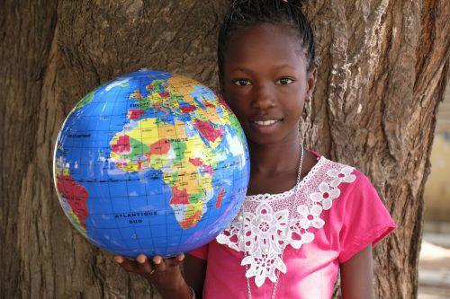"""Bei einem Bilder-Vortrag am 4. Oktober 2019 wird die Arbeit der beiden Vereine """"Wissen macht Stark"""" und """"Leprahilfe Senegal"""" vorgestellt. VEREIN"""