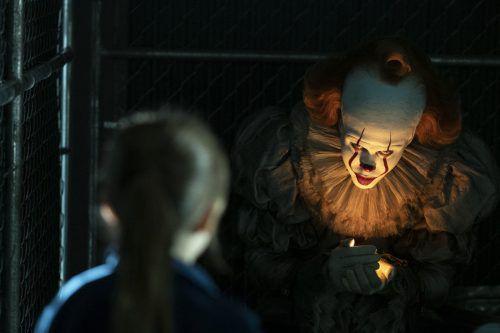 Bill Skarsgard kann als Pennywise wieder auf ganzer Linie überzeugen.Warner Bros
