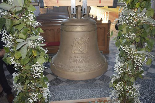 Das Erstläuten der kunstvoll verzierten Glocke wird am Samstag, 5. Oktober, aus dem Türmchen zu hören sein. eh