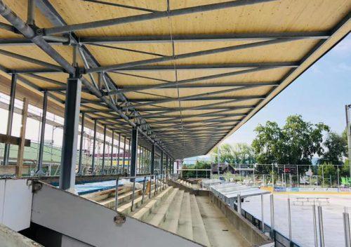 Das neue Tribünendach im Eisstadion Herrenried.mima