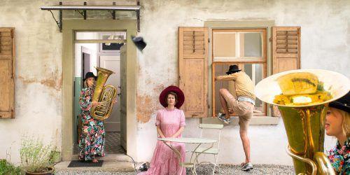 """Das Theaterensemble Café Fuerte spielt das neue Stück """"Das letzte Haus"""" erwartungsgemäß unter freiem Himmel.laurenz feinig"""