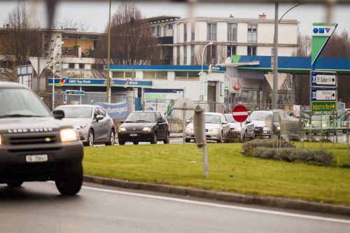 Der Engel-Kreisverkehr in Lustenau ist stark frequentiert. 37.000 motorisierte Fahrzeuge sind dort täglich unterwegs. VN/Steurer