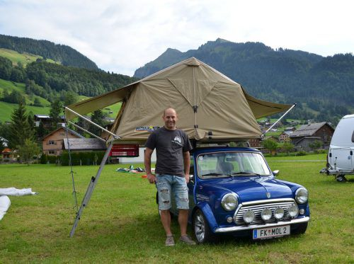 Der Feldkircher Peter Urban ist mit seinem Mini in ganz Europa unterwegs.