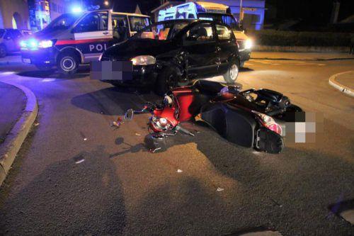Der Lenker des Mopeds wurde unbestimmten Grades verletzt.vol.at/Pletsch