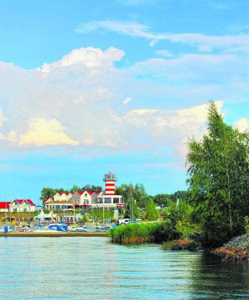 Der Leuchtturm am Geierswalder See, nur einem von 25 künstlichen Seen im Lausitzer Seenland. Shutterstock