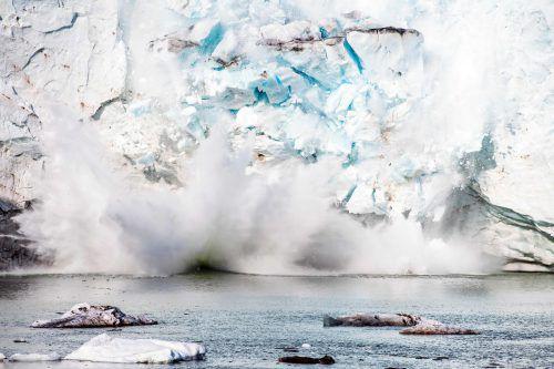 Fortschreitende Eisschmelze bereitet nicht nur zahlreichen renommierten Wissenschaftern und Experten Sorgen. AFP