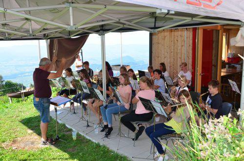 Der Nachwuchs des Schützenmusikvereins Koblach bei den Proben.egle
