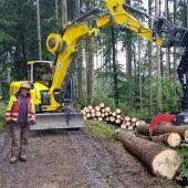 Neuer Bagger für Feldkircher Forst