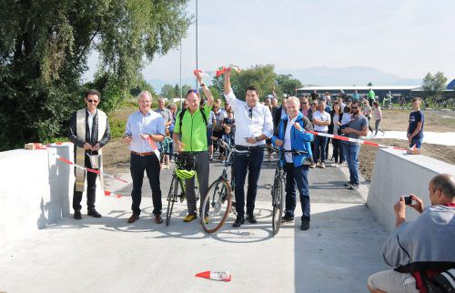 Der neue Radweg zwischen Hard und Lustenau ist freigegeben. ajk
