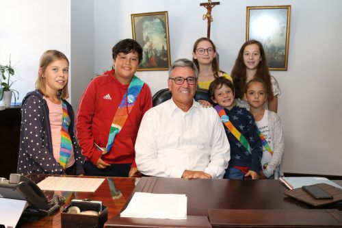 Der Stadtrat von Kleinfeldkirch auf Besuch bei Bürgermeister Matt. stadt