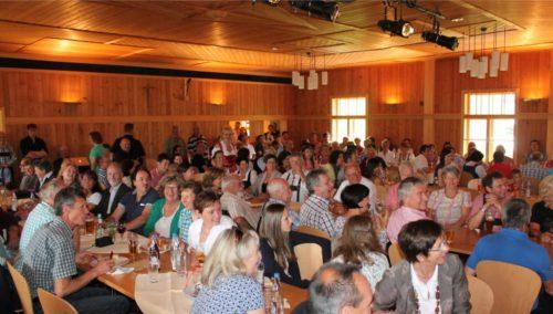 Der stimmungsvolle Thalsaal wird anlässlich des Jubiläums 30 Jahre Selbsthilfeverein am 13./14. September zum Heurigenlokal umgestaltet. strauss