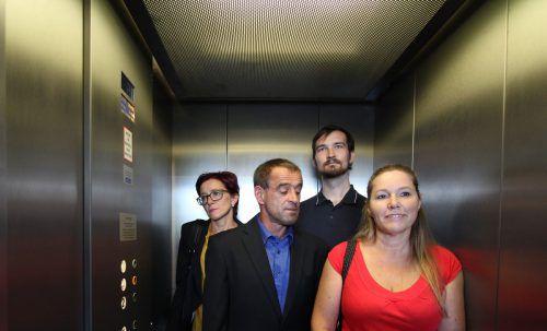 """Der Theaterverein Doren präsentiert die Komödie """"4 nach 40"""" von Fritz Schindlecker."""