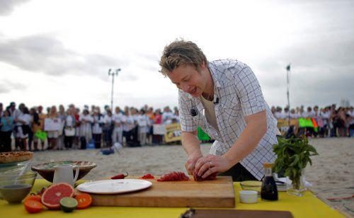 Der überzeugte Fleischkoch und -esser Jamie Oliver begibt sich mit seinem neuen Buch auf neue Pfade. Reuters