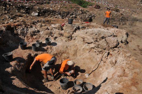 Die archäologischen Grabungen an der Ruine Sigberg zeigen auf, dass bereits in der Bronzezeit dort Menschen gesiedelt haben.