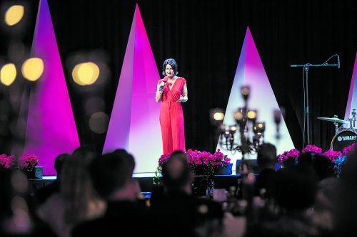 """Die Bühne im Bregenzer Festspielhaus gehörte an diesem Abend der Obfrau von """"Geben für Leben"""", Susanne Marosch."""