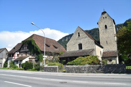 Die Kirche in Levis wurde erstmals im Jahr 1363 urkundlich erwähnt. Zusammen mit dem Siechenhaus, der heutigen Jugendherberge, bildet das Gebäude ein erhaltenswürdiges Ensemble. Die Kirche wird auch heute noch für Messen und Hochzeiten genutzt.Hans-Peter Schuler / Volare/Zündel