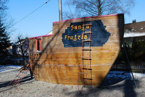 """Die """"Santa Frutzia"""" war die Hauptattraktion auf der Pirateninsel in Sulz. Archiv"""
