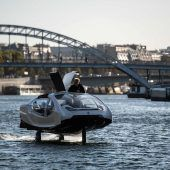 Paris testet schwebende Wassertaxis