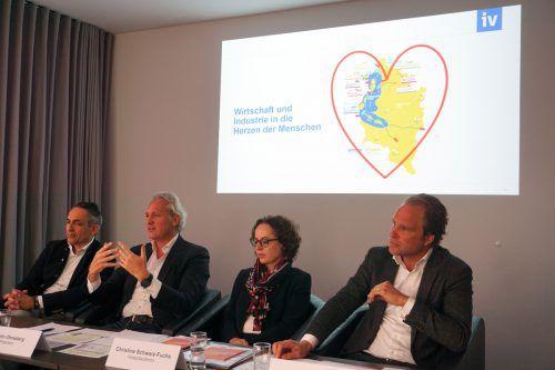 Die Unternehmer Hubert Rhomberg, Martin Ohneberg, Christine Schwarz-Fuchs und Heinz Senger-Weiss wollen die Bevölkerung verstärkt ins Boot holen. IV