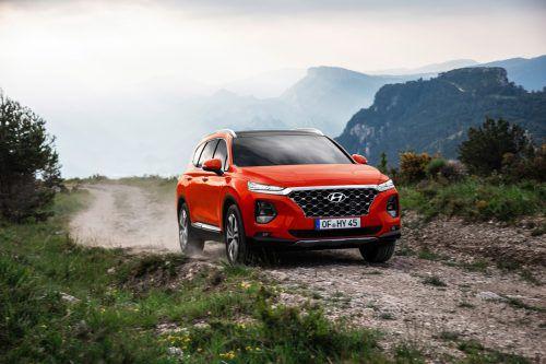 Die vierte Generation des Hyundai Santa Fe bedeutet das Ende der Karosserie-Dualität: Der Südkoreaner ist jetzt als Fünf- oder als Siebensitzer orderbar.