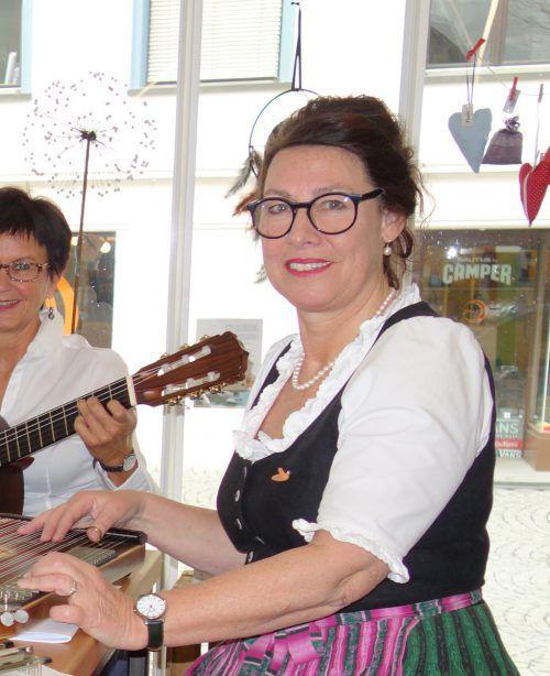 Die Volksmusik hat es Volksliederwerk-Obfrau Anita Frühwirth angetan. privat