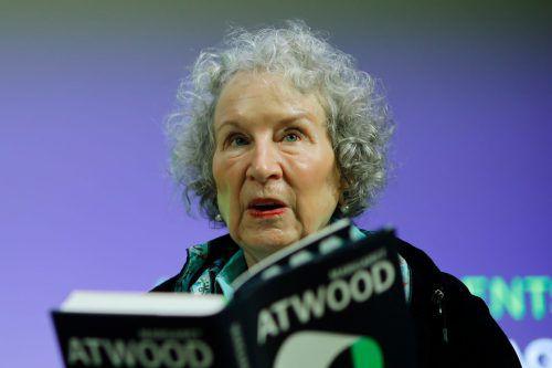 Die Zeuginnen ist Atwoods Fortsetzung von Der Report der Magd.