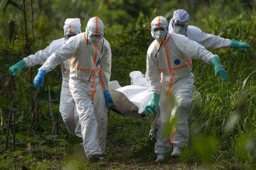 Ebola-Betroffene leiden an Fieber, Durchfall sowie schließlich Organversagen. AP