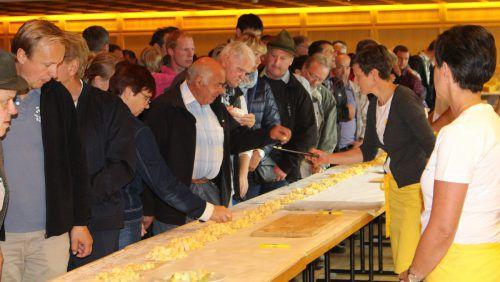 Ein Highlight für die Abordnung der österreichischen Käsesommeliers stellt der Abstecher nach Schwarzenberg zur Käseprämierung dar.