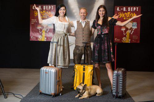 Eine Reise um die Welt lautet die Devise der Modeschau in Halle 1. VN/Hartinger