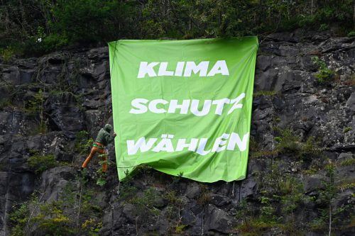 Die Behörde hat das Transparent der Grünen entfernt. Grüne