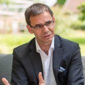 ÖVP stellt sich hinter die Pflegelehre