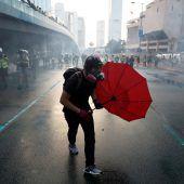 Kritik an Protesten in Hongkong. A2