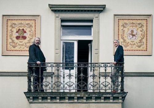 Gegensätze sollen sich bekannterweise anziehen: Alexander Waltner und Marco Spitzar stellen gemeinsam in der Lorünser Villa in Bludenz aus.marcel hagen/studio 22