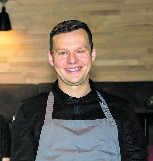 Geschmorte Lammstelze auf Pilzrisotto mit Brokkoli.Roland Paulitsch