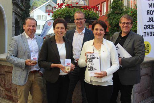 Harald Witwer, Andrea Schwarzmann, Christian Gantner, Monika Vonier und Christoph Thoma (v.l.) wollen gemeinsam Vorarlbergs Süden stärken. VN-JS