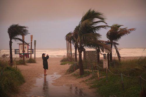 In Florida am Cocoa Beach spürt man bereits die Auswirkungen von Dorian. AFP