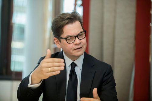 """""""Wir sollten in der Lage sein zu sagen, wen wir im Land haben wollen und brauchen.""""Christoph Neumayer, IVGeneralsekretär über Erwartungen an die künftige Regierung im VN-Gespräch"""