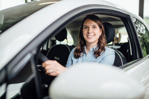 """Jennifer Rotheneder: """"Das Autohaus Rohrer steht für gelebte Familientradition und für ein Unternehmen, in dem jeder Mitarbeiter zählt."""" vn/sams"""