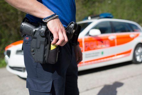 Kantonspolizist verletzte sich mit der eigenen Waffe. kapo