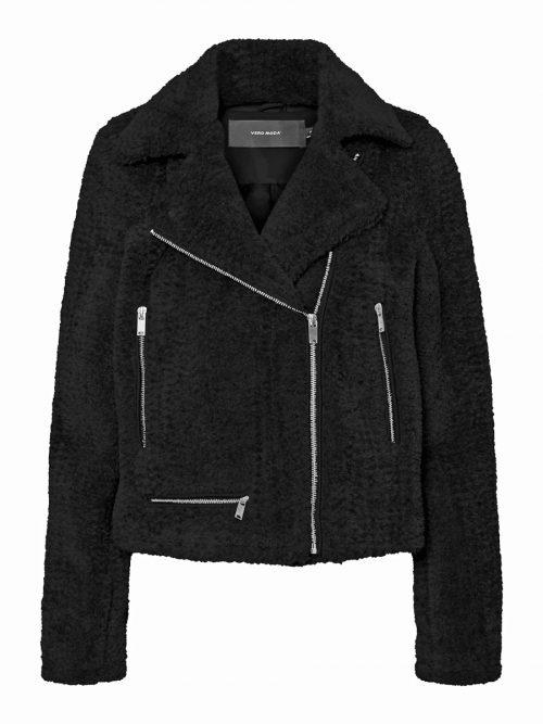 Lässig             Kuschelige Jacke im Bikerstil, gesehen bei Vero Moda um 69,99 €.