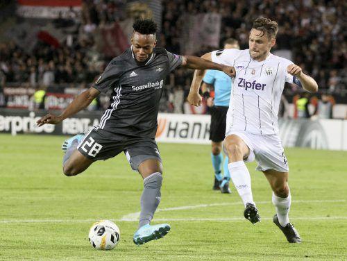 LASK-Mittelfeldmotor James Holland (r.) rackerte nicht nur im Zentrum, sondern erzielte auch das Goldtor beim 1:0-Sieg in der Europa League über Trondheim.Gepa