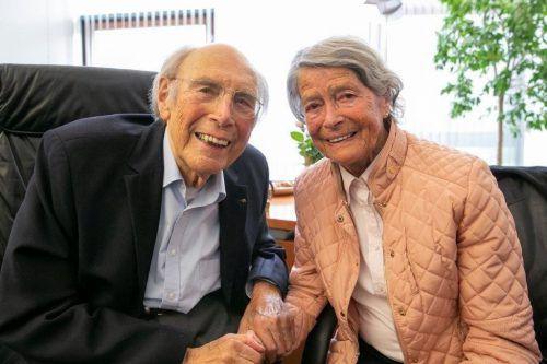 Luis Drexel an seinem 95. Geburtstag und Maria in seinem Büro in der Spar-Zentrale.
